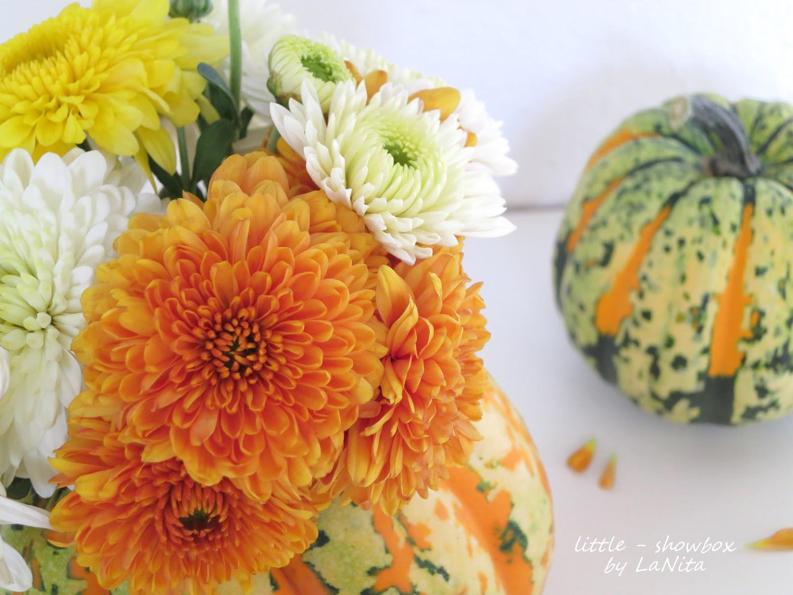 Herbstdekoration Kurbis : Herbstliches D.I.Y. Blumen im Kürbis little ...