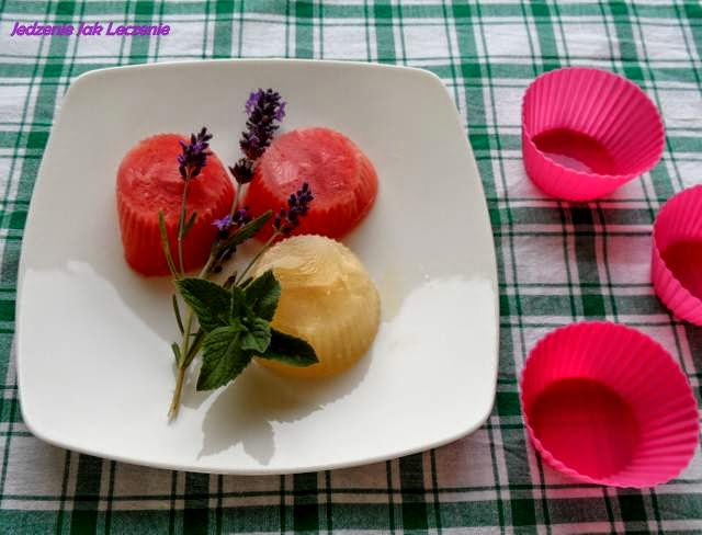 lodowe babeczki arbuzowe, sorbet, lody arbuzowe, słodkie orzeźwienie