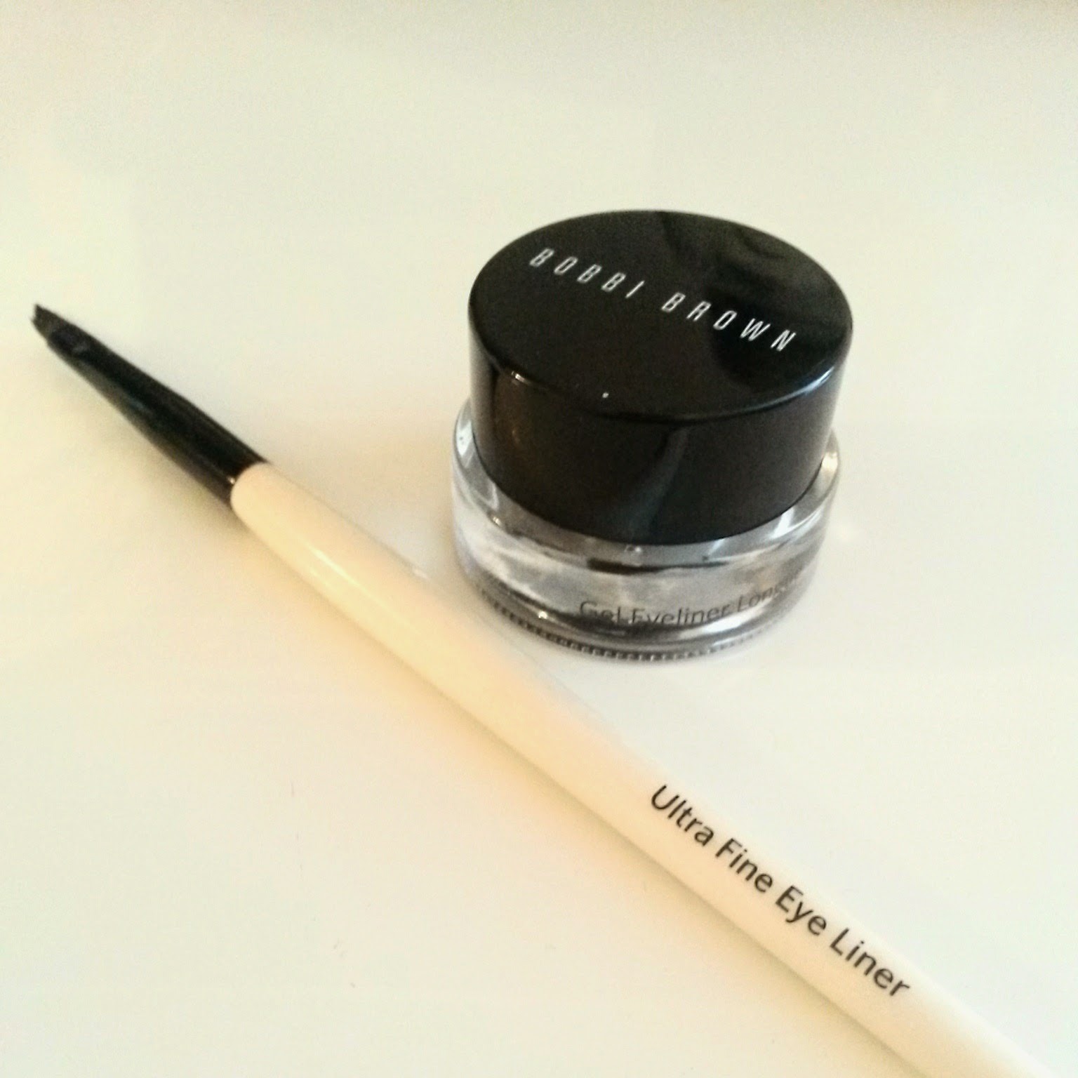 How to apply gel eyeliner tutorial video