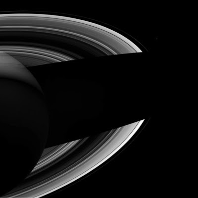 Saturn shading its rings