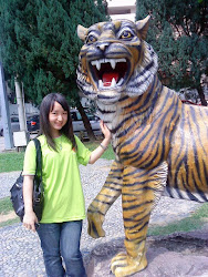 "Me n Lion >.<"""