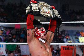 LUCHA LIBRE-John Cena derrota a un Rey Mysterio agotado por el WWE Champion