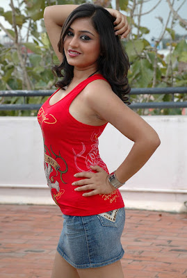 Ramya Barna Hot