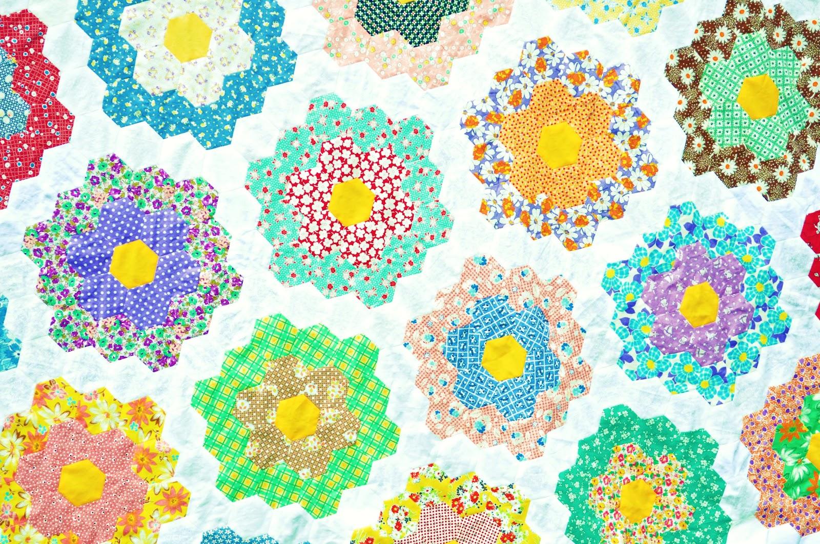 Sweet Woodruffs Grandmother 39 S Flower Garden Quilt