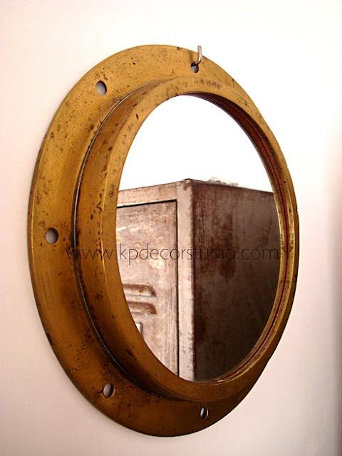 Comprar espejos vintage de bronce artesanales fabricados con materiales reciclados.