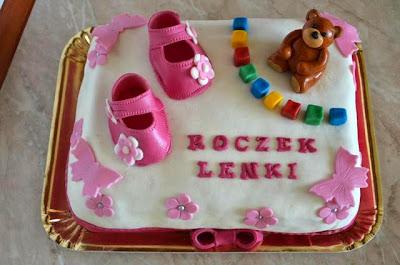 Tort z masą cukrową na roczek