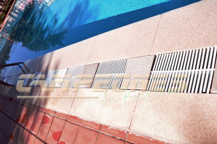 Esta piscina es una ruina campeones de aranjuez for Rejillas para piscinas