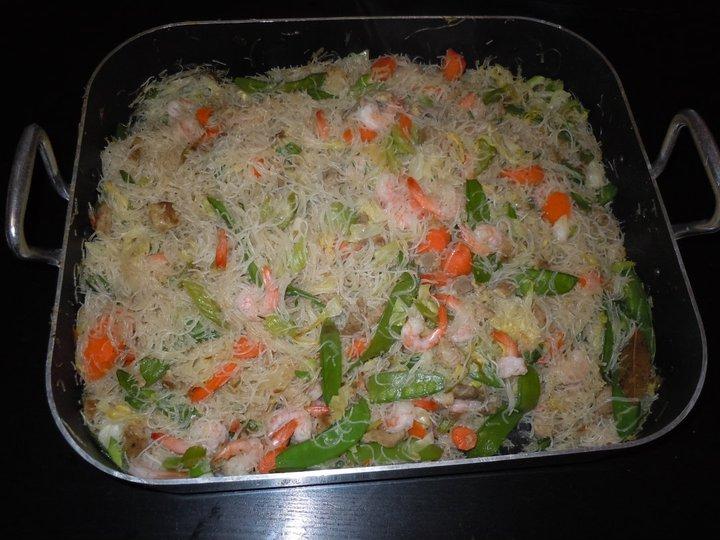 Kaukau time kaukau is a hawaiian pidgin slang word meaning food pancit bihon recipe forumfinder Image collections