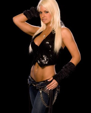 Maryse-Wardrobe-Malfunction.jpg