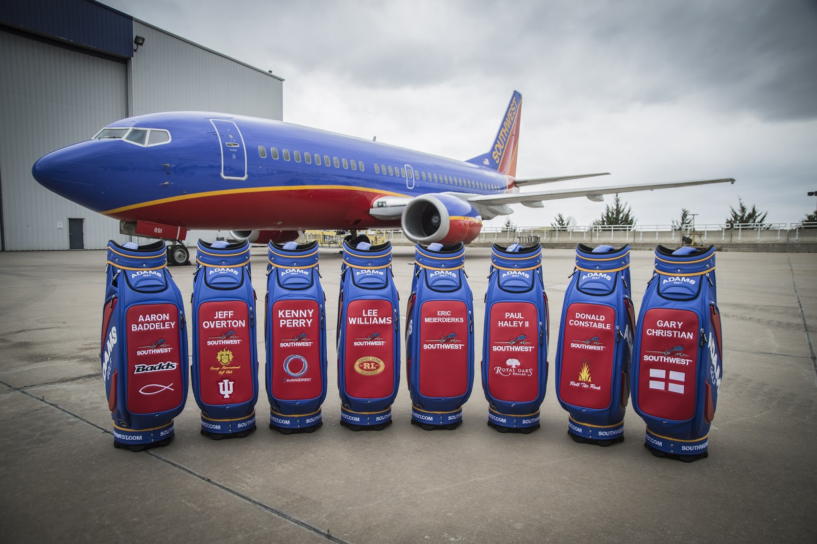 southwest airlines begins a bags fly free We love southwest airlines the options/day worked out perfect for us the price paid for each way of our trip was what i expected and the fact that two bags fly free is the icing on the cake.