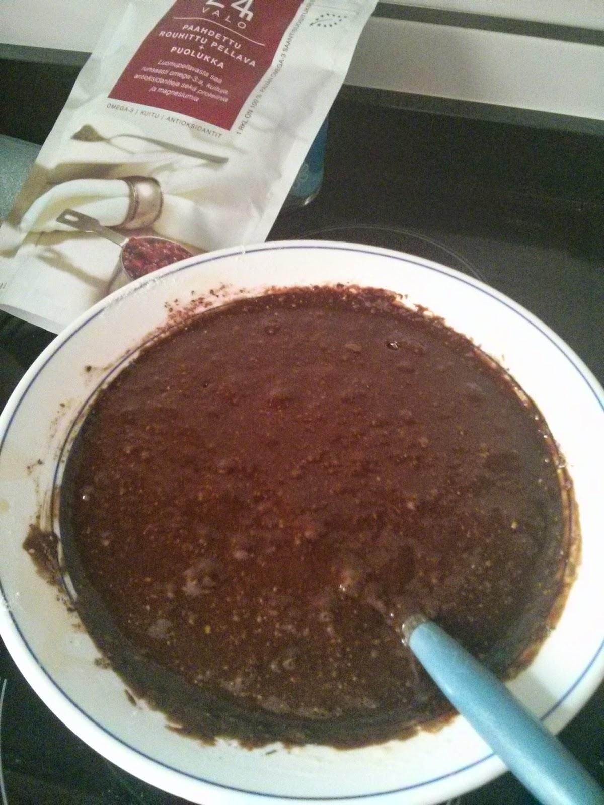 Brownie con lino triturado tostado con arándanos rojos