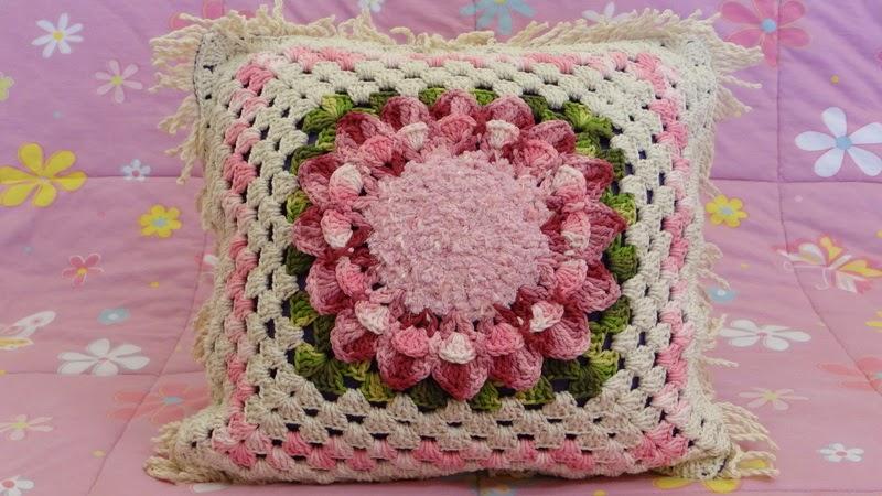 http://www.circulo.com.br/pt/receitas/decoracao/almofada-giga-flor-begonia