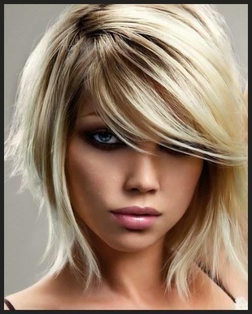 Korte Kapsels Krullen Dames - Kort Krullend Haar op Pinterest Korte Krullende Kapsels