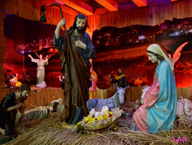 christmas, lights, crib, nativity, manger, church, jesus, mary, joseph,decor, lifestyle, style file india