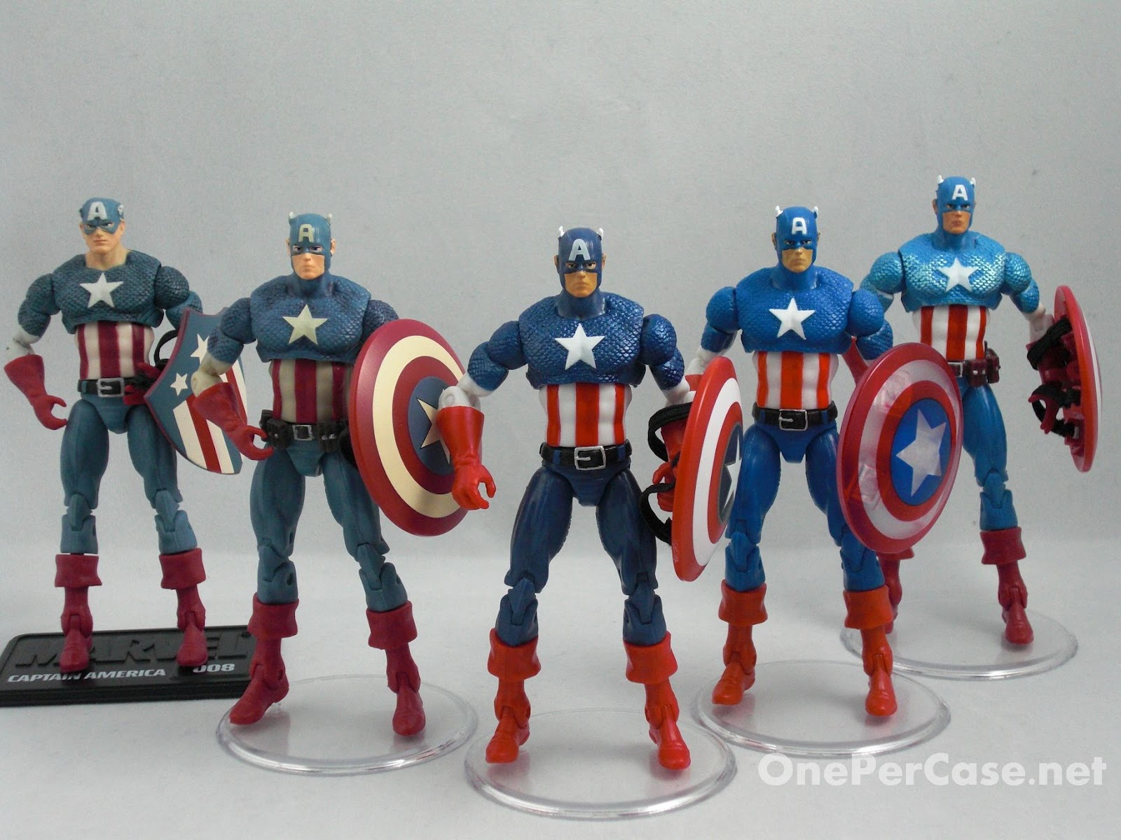 One Per Case: Marvel Universe Avengers Light-Up Base Wave 2 - Captain America (Rogers)
