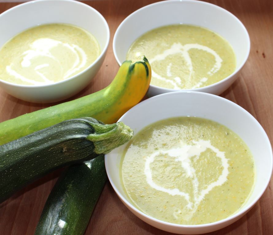 mm creative zucchini cremesuppe mit thermomix rezept. Black Bedroom Furniture Sets. Home Design Ideas