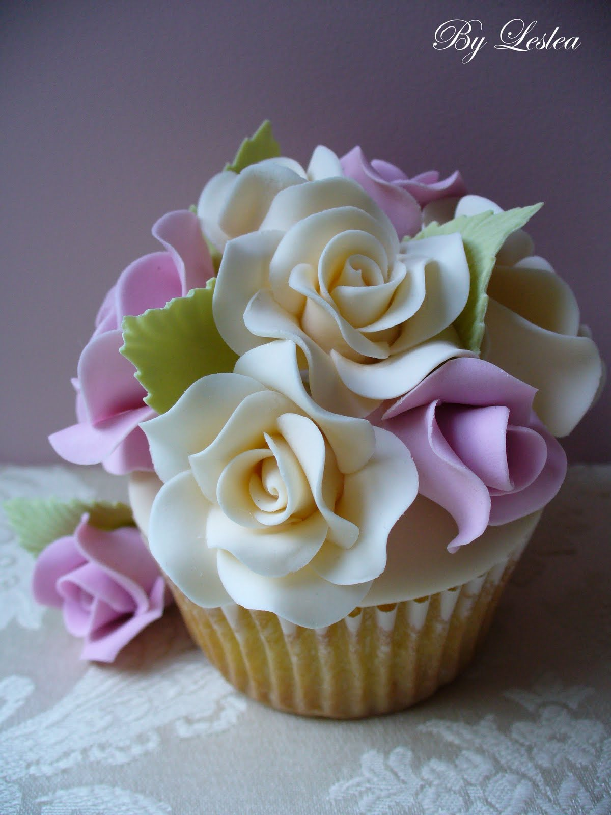 Images Of Cake With Roses : Leslea Matsis Cakes: Rose Garden Cupcake