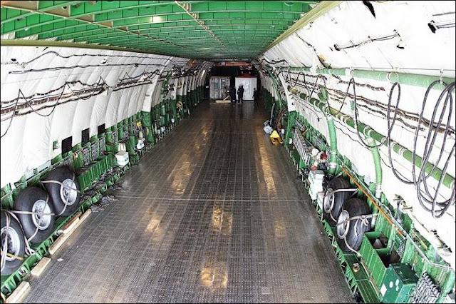 World's Largest Cargo Plane