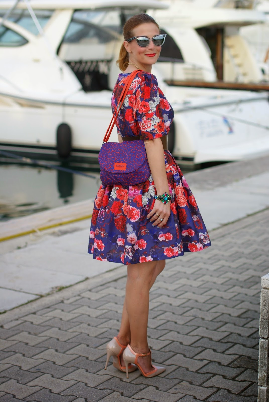 50s red roses dress, Kenzo bag, cat eye mirror sunglasses, Fashion and Cookies, fashion blogger