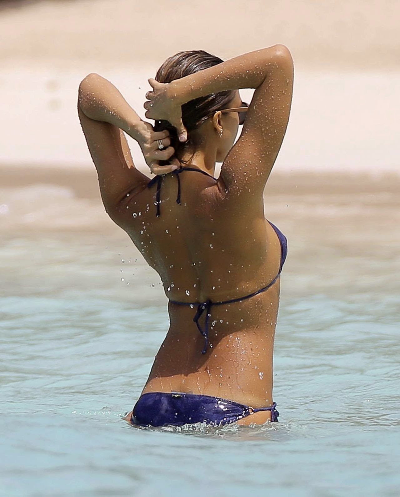 Jessica Alba flaunts bikini body on holiday in the Caribbean