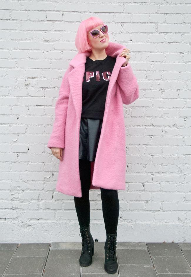 Jacquemus coat, pink look, miu miu sunglasses