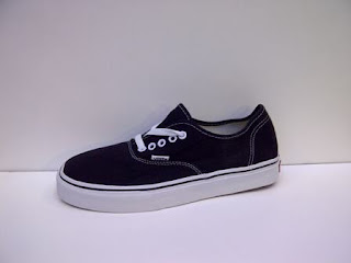 Vans Authentic Clasic Import Hitam sol Putih