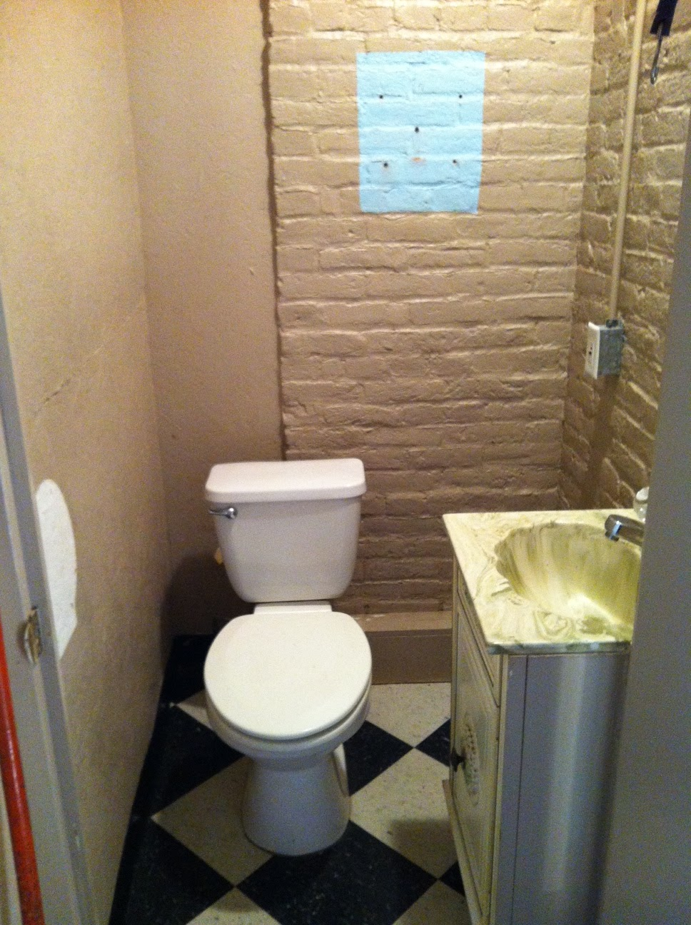 Life and Other Shenanigans: Budget Bathroom