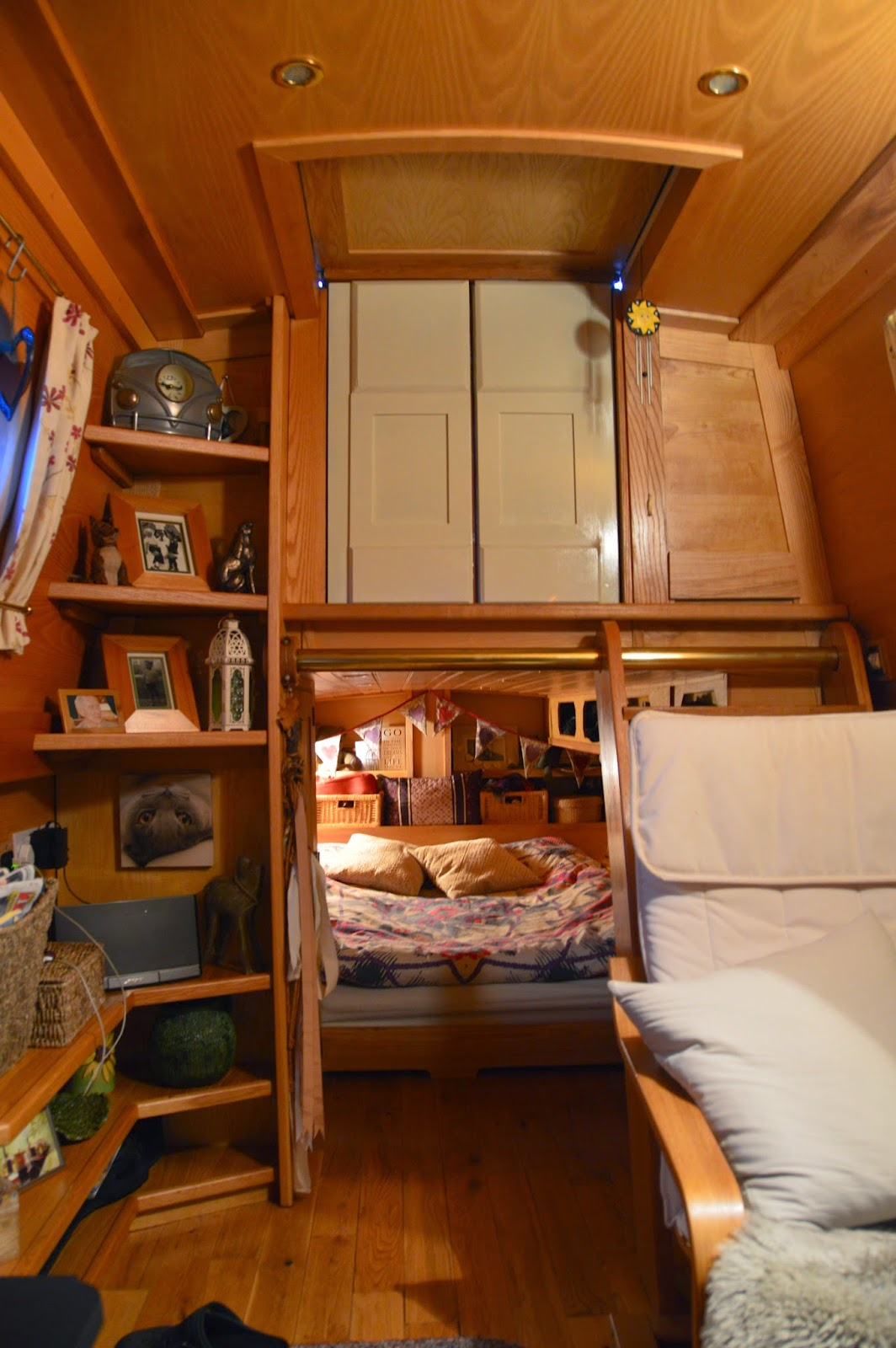 narrowboat mervyn. Black Bedroom Furniture Sets. Home Design Ideas