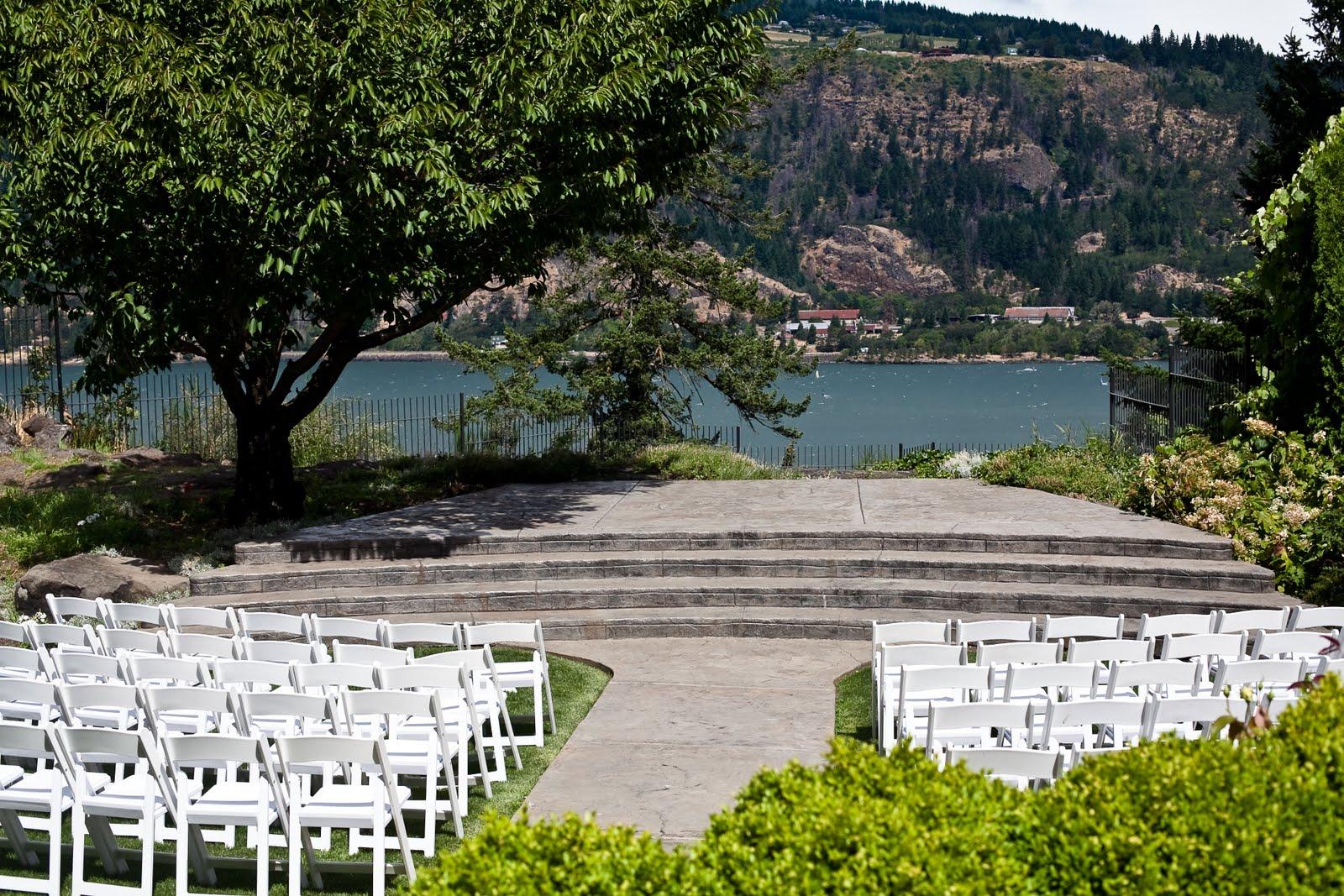 the gorge bride jen dave columbia gorge hotel. Black Bedroom Furniture Sets. Home Design Ideas