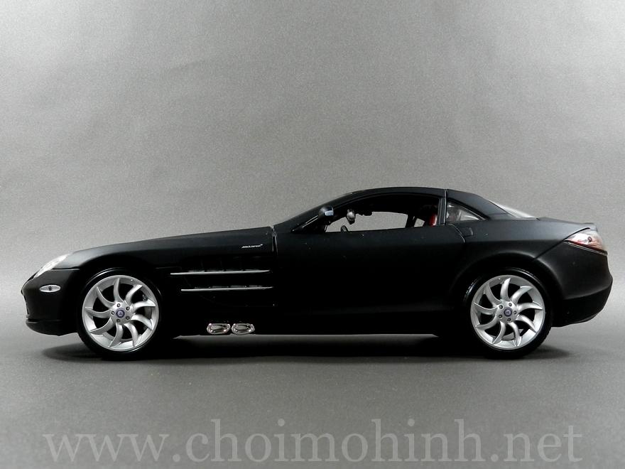 Mercedes SLR McLaren 1:18 Maisto side