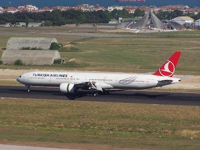 THY Türk Hava Yolları Boeing 777