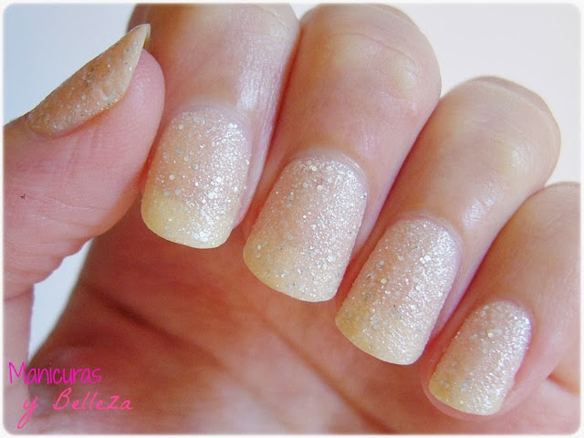 163 hey nude! Essence reseña esmalte pintauñas review nail polish placas estampación pueen colores claros manicura uñas nail art nails manicure