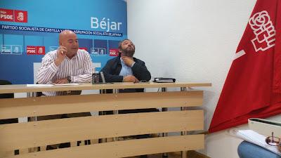 Javier Garrido Secretario general de los socialistas bejaranos y el concejal Jose Luis Rodríguez Celador