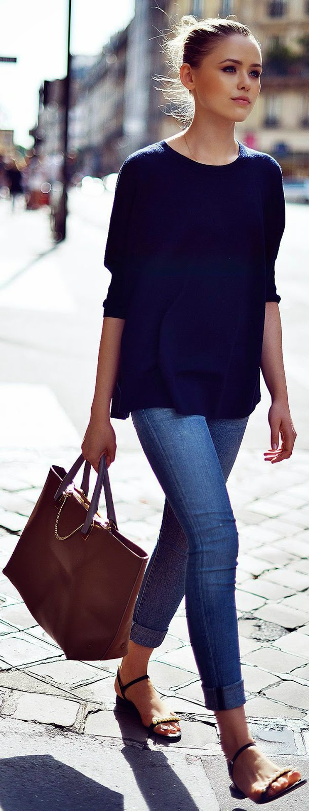 Casual-and-Chic-Outfit –Simple-Blue-Town-Outfit