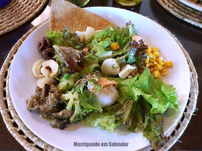 Creperia Mariposa: Prato com as opções do Buffet de Saladas