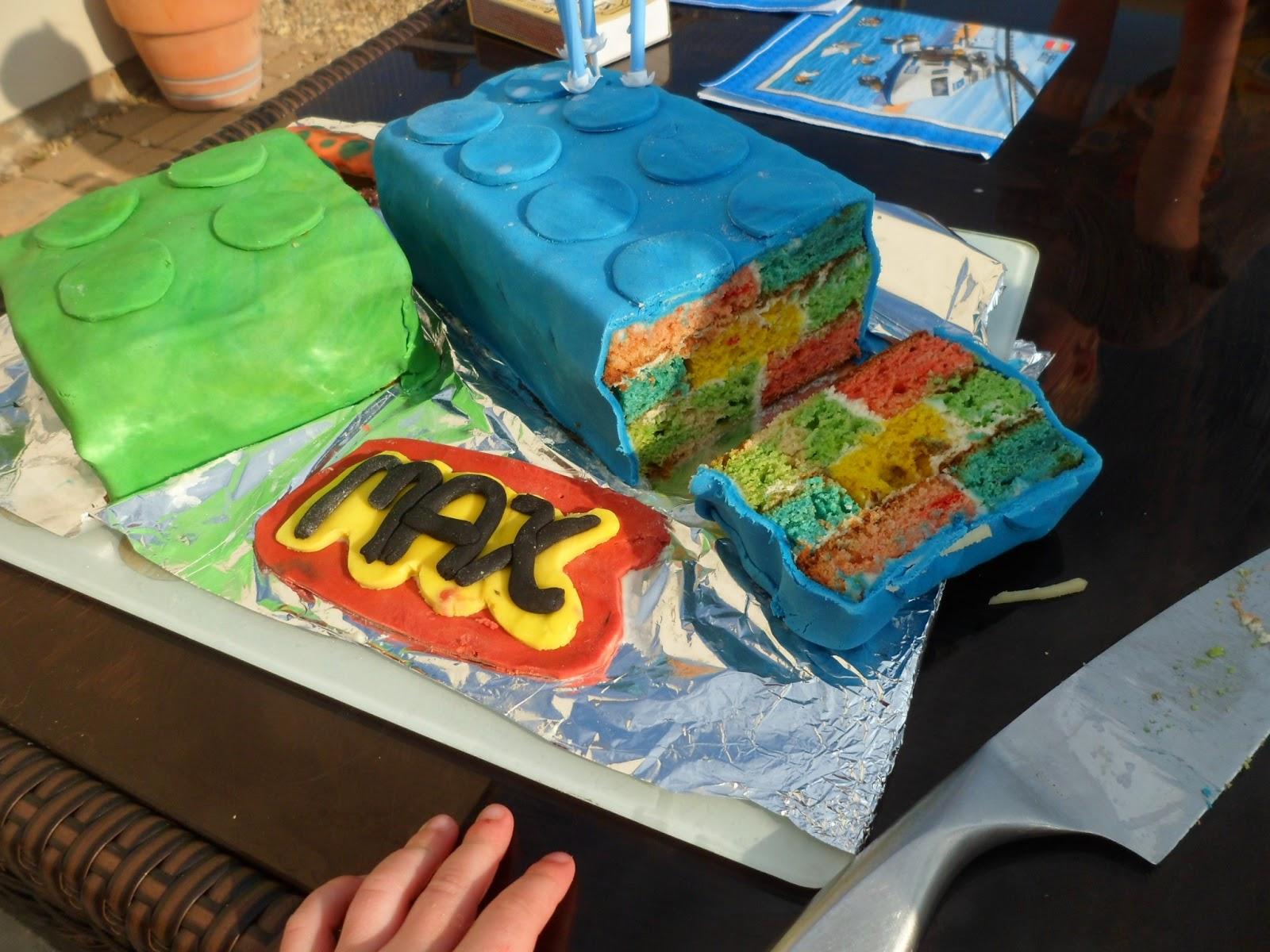 Hidden Design Cake Ideas : Cobble & Gobble: Hidden design lego brick cake