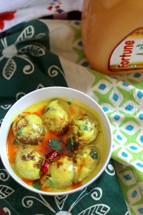 Healthy kadhi pakodi -Indian curry recipe from saffrontrail.com