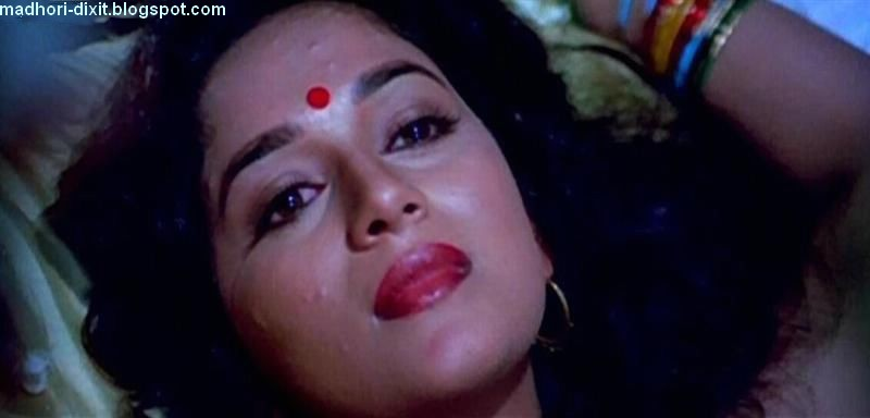 Madhuri Dixit Kiss Vinod