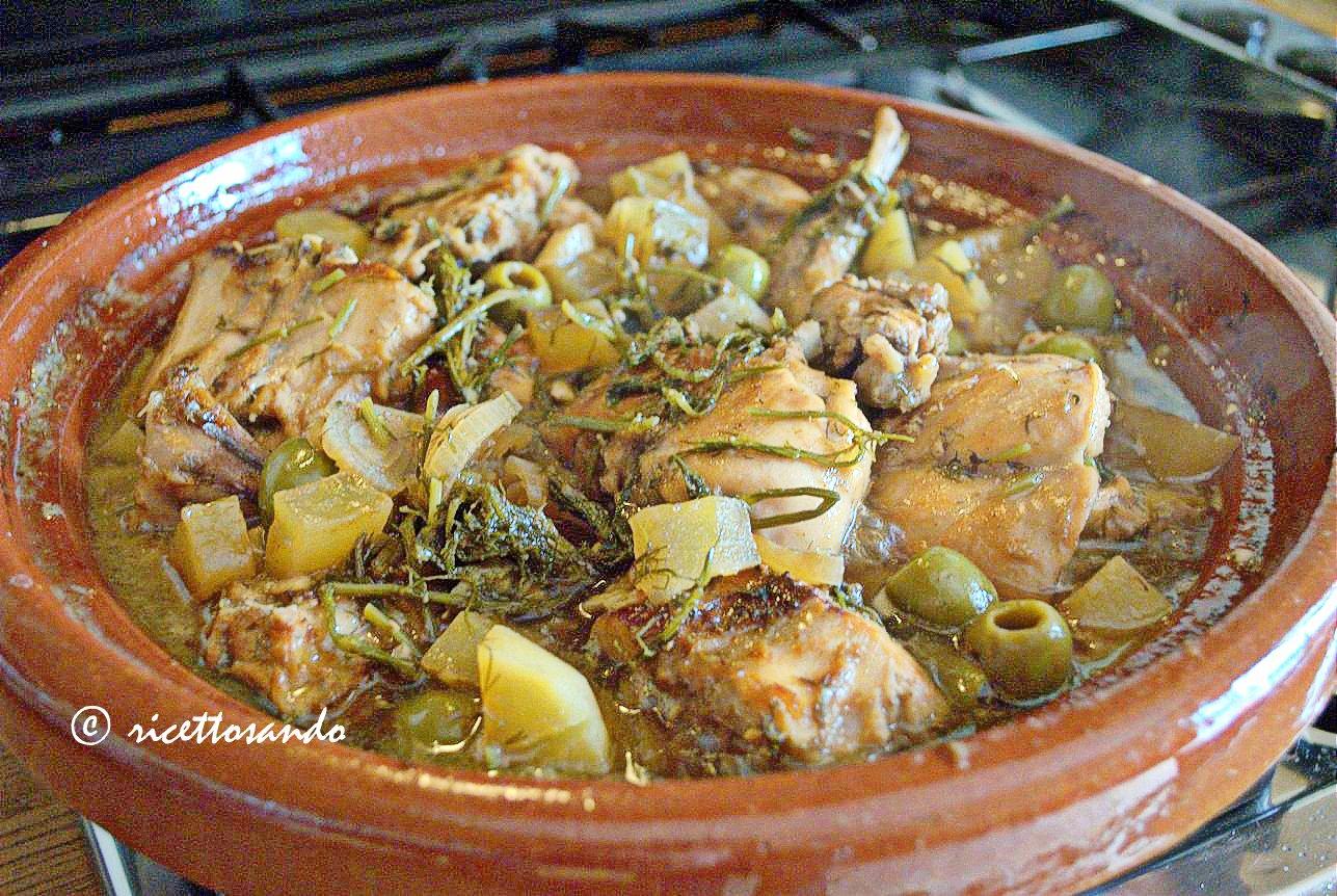Coniglio al finocchietto selvatico ricetta cotta in coccio o i tajine