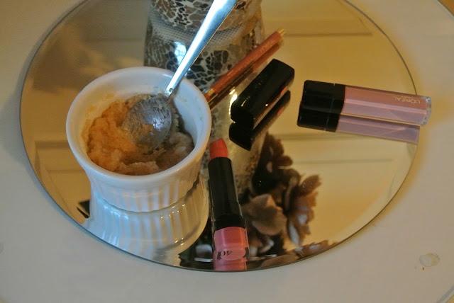DIY Lip Scrub For Christmas Party Ready Lips