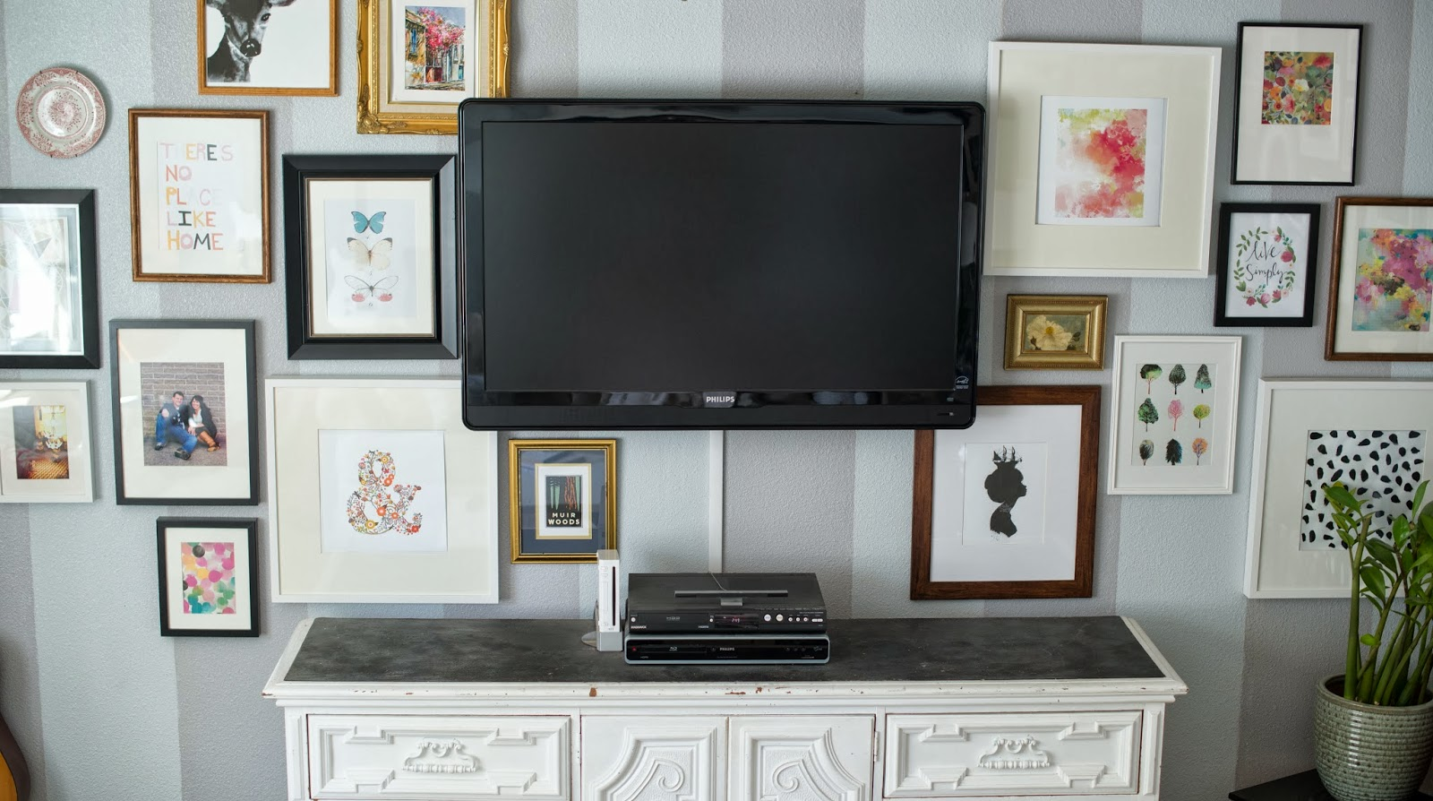 Wall Sconces Near Tv : Domestic Fashionista: Decorating Around the TV and a New Shelf