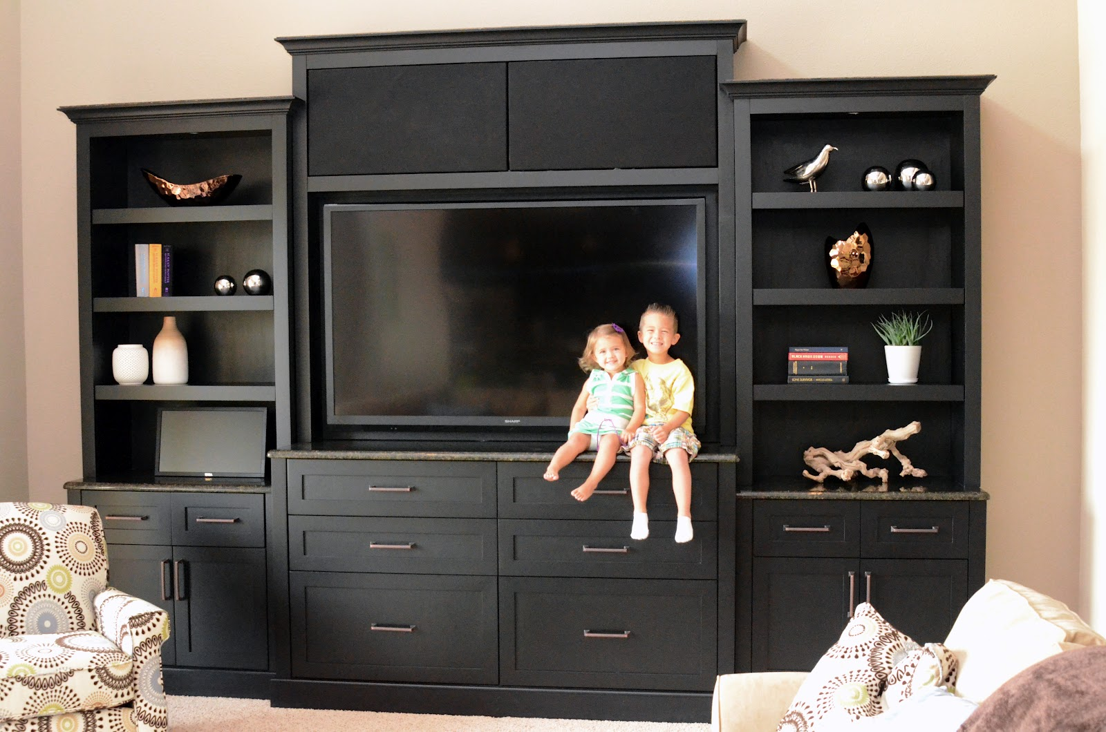 What To Put On A Sofa Table Remodelaholic Stylish And