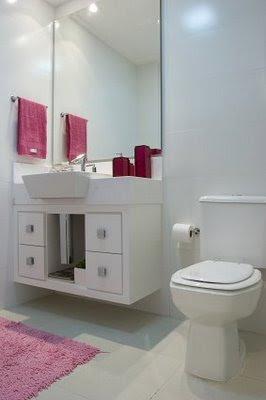 dicas e fotos de decoração para banheiros pequenos