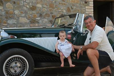 O MP Lafer de Eugenio Zara possui um adesivo das 1000 milhas italianas, uma tradicional prova automobilística realizadas com carros esportivos clássicos na península itálica.