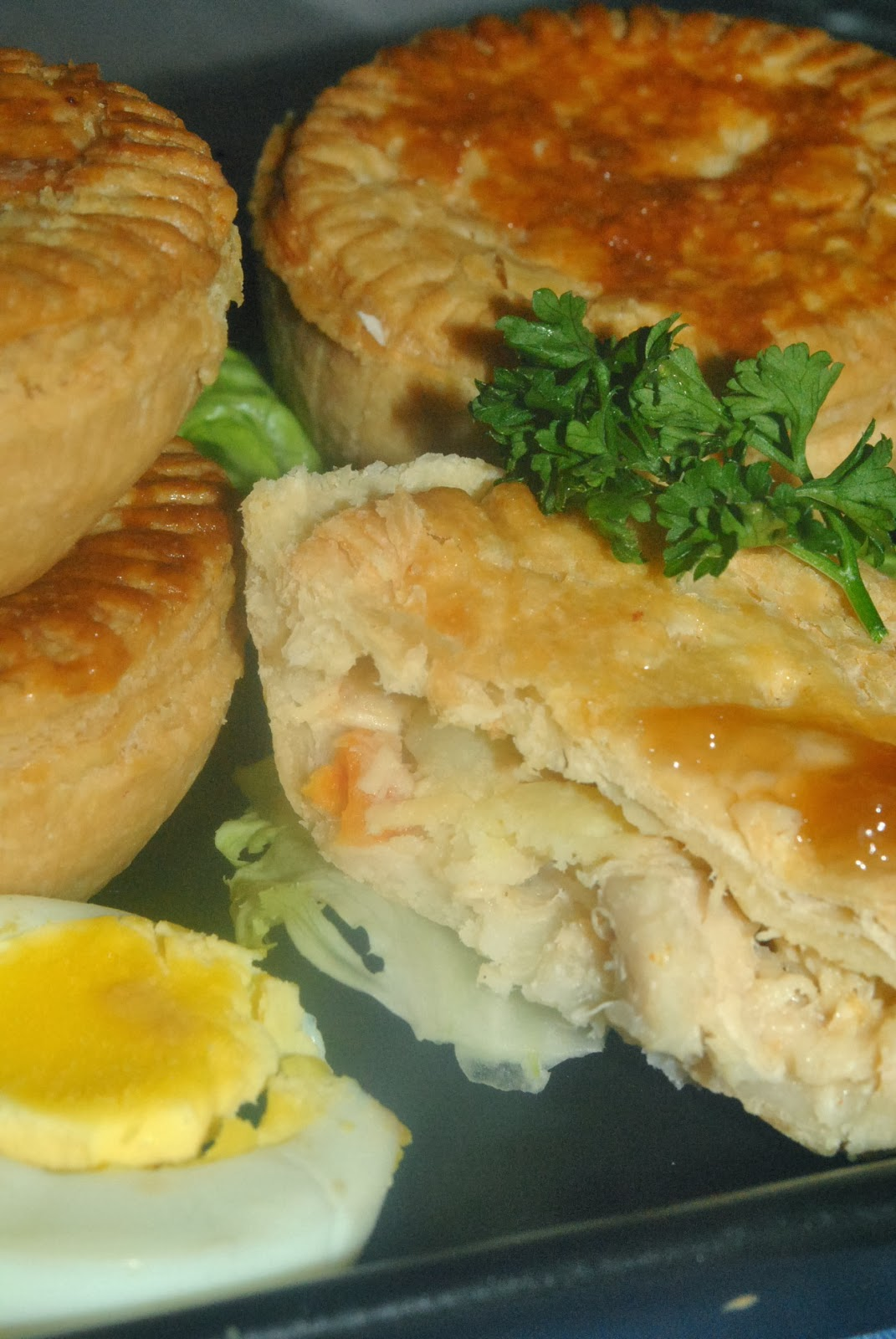 how to make mini chicken pies with puff pastry