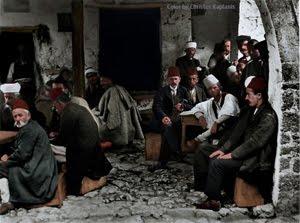 παραμυθια 1913, καφενες