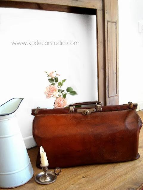Maletines de médico antiguos, maletas de viaje de doctor, piel y cuero