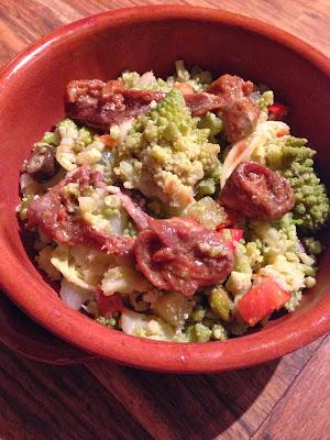 insalata di rinforzo con cavolo romano e alici piccanti