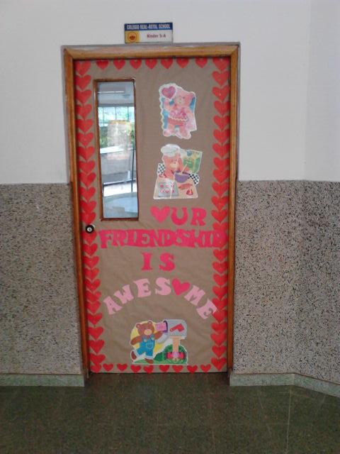 Lic danellis rodriguez ambientaci n de espacios escolares for Decoracion de puertas de san valentin