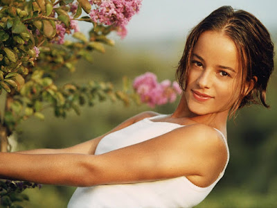 French Celebrity Alizee Jacotey Photos